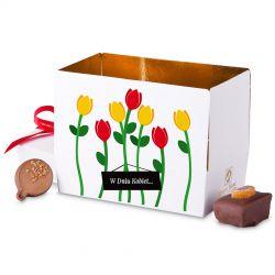 Mini Ballotin White no.3 z czerwonymi tulipanami na Dzień Kobiet
