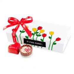 Czekoladki Mini Ballotin White no.4 z czerwonymi tulipanami W Dniu Kobiet