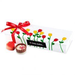 Upominek dla kobiety Mini Ballotin White no.5 z czerwonymi tulipanami