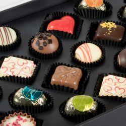 Czekoladki urodzinowe Exquisite Box Sto lat słodkości i wiele radości