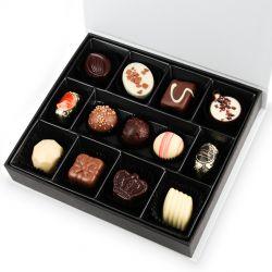 Czekoladki z imieniem Twojego chłopaka Chocolate Box Medium Powered by Chocolate