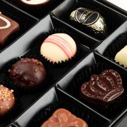 Prezent na Dzień Babci Chocolate Box White Medium