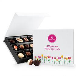 Czekoladowy prezent na urodziny Chocolate Box White Medium z Twoimi życzeniami
