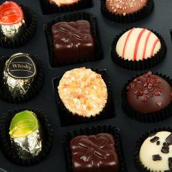 Czekoladki Chocolate Box White z Twoimi życzeniami na imieniny